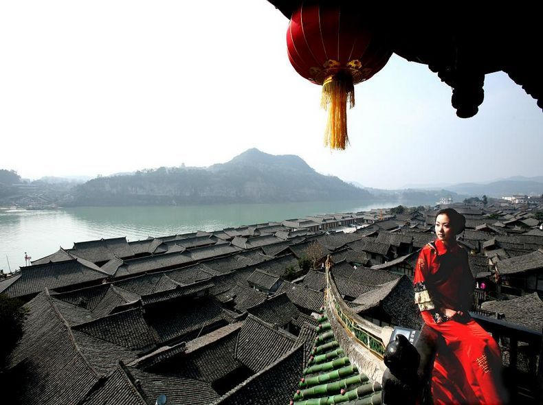 阆中古城、中国绸都二日游